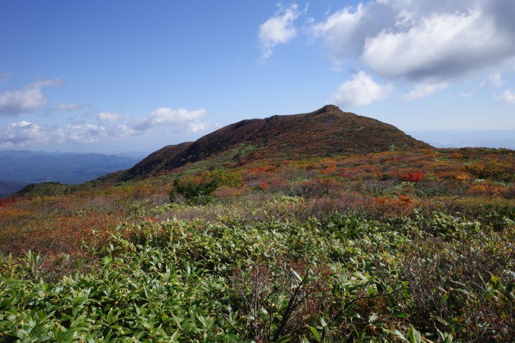 前岳手前から見た赤面山